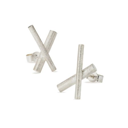 Crossover stud earrings - silver