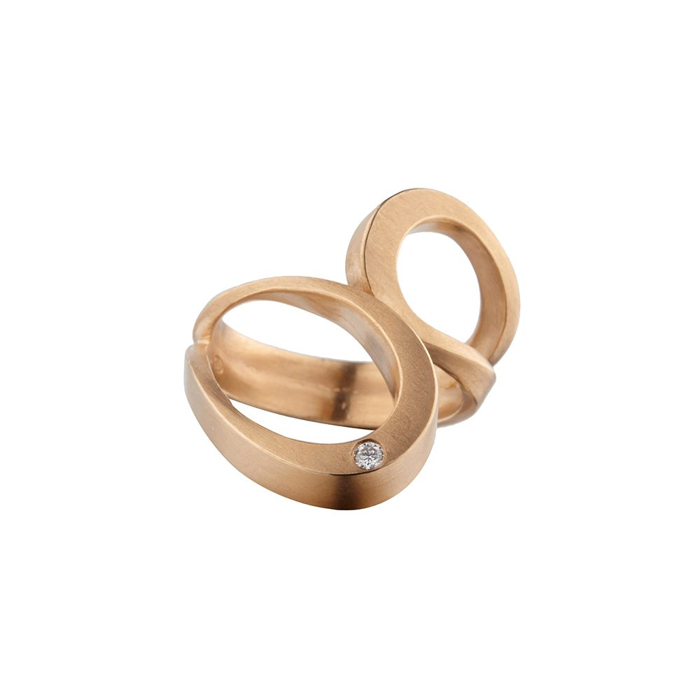 Rose gold and diamond tuohi III ring