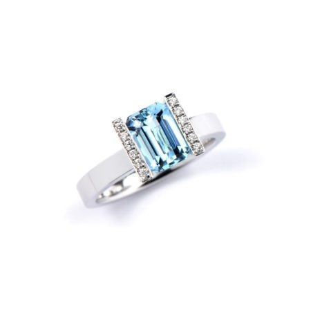 Aquamarine lika ring