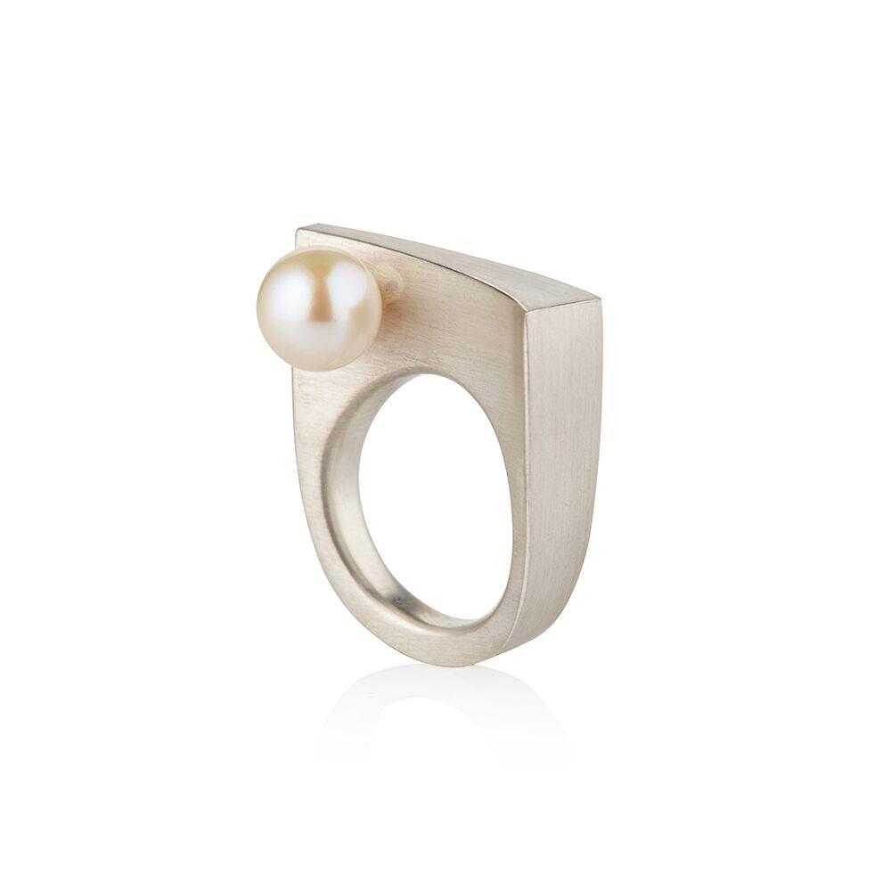 Balance ring silver - pearl