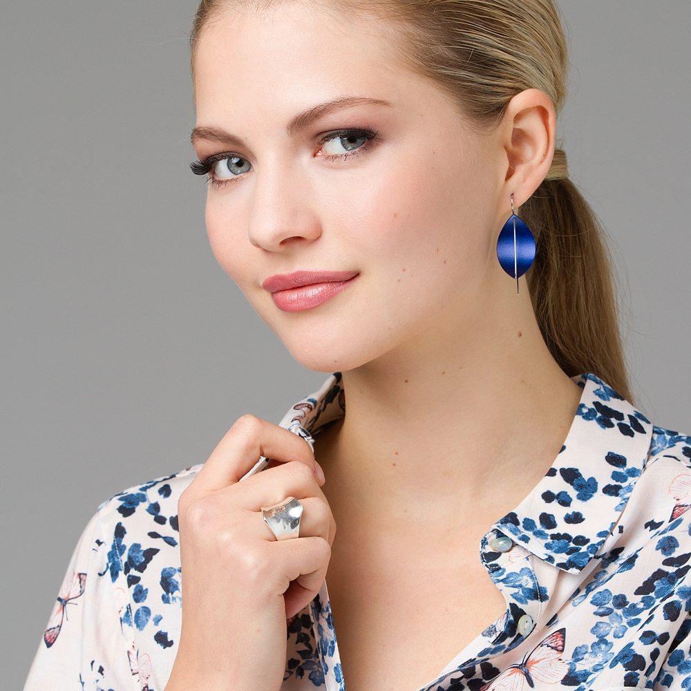 Blue leaf earrings - silver twist ring