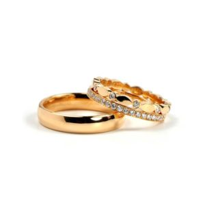 Juliet yellow gold men's and women's wedding rings with diamonds