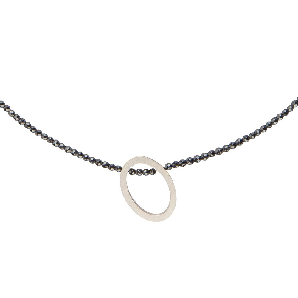 Oval necklace - hematite - silver - detail