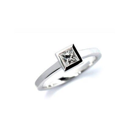 Princess cut diamond stockholm ring