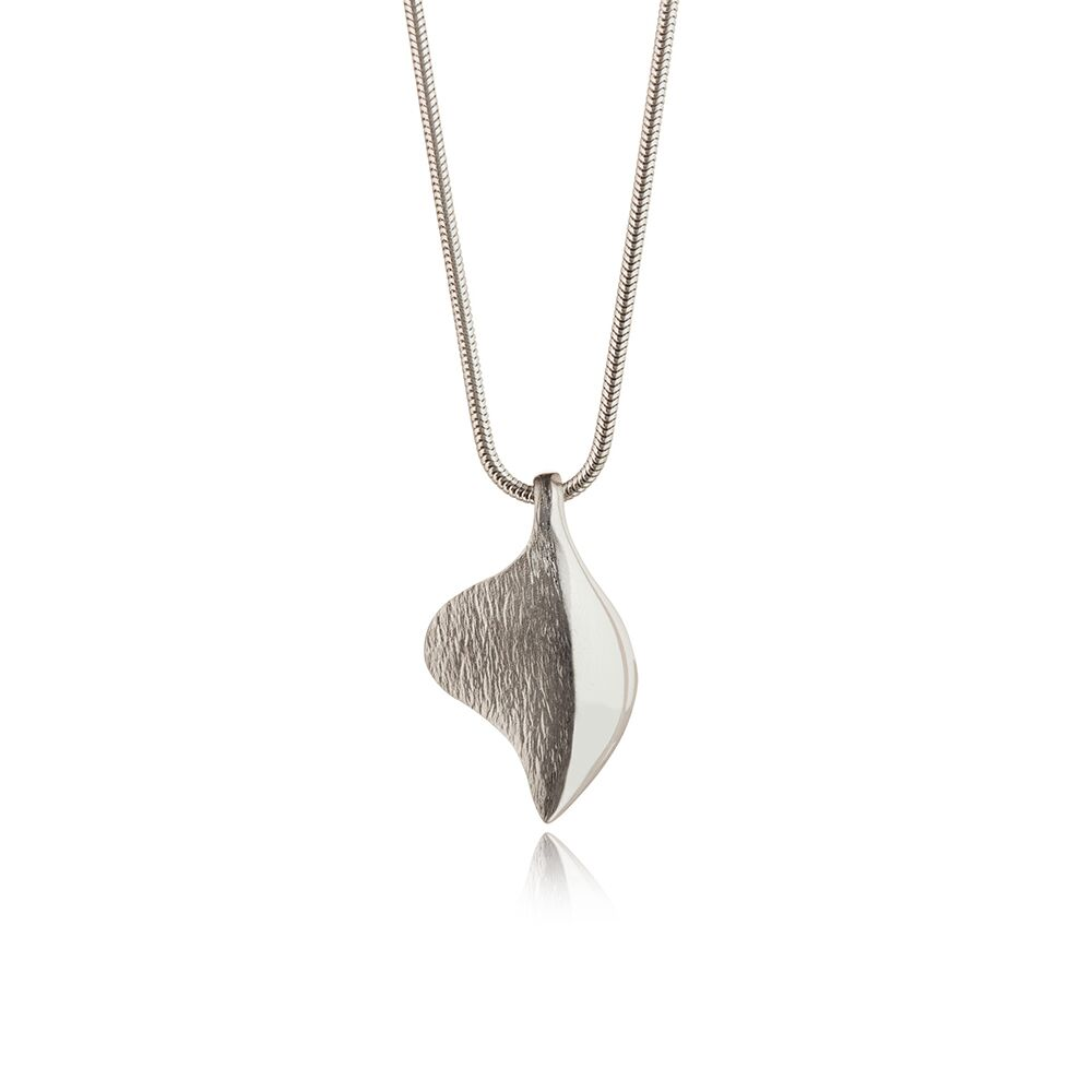 Shadow-lines-silver-pendant