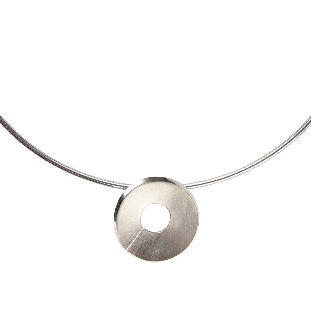 Silver-Torc-Pendant-Necklace-Detail