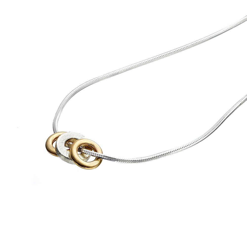 Trio pendant - 2 yellow gold hoops - detail