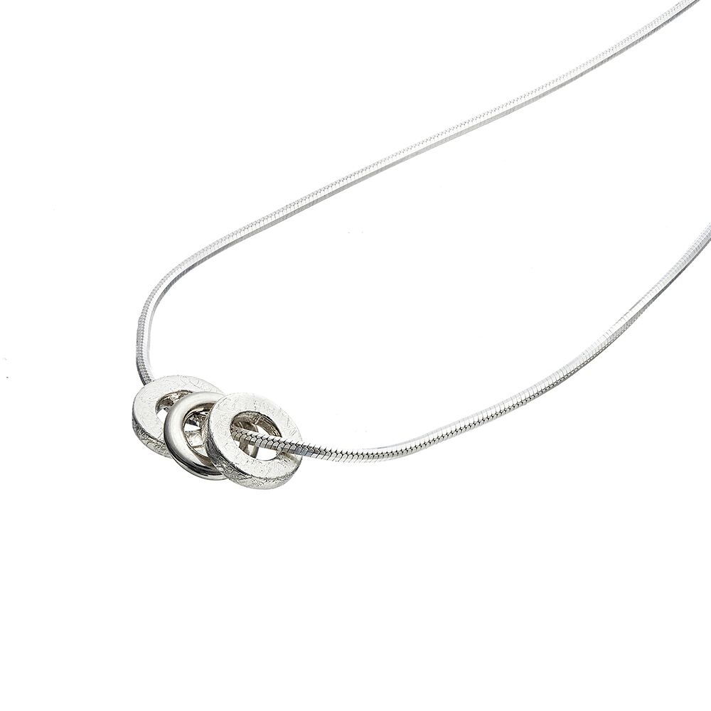 Trio pendant - all silver - detail