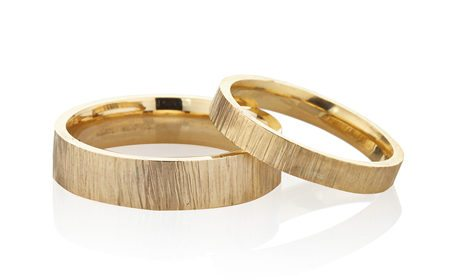 Yellow gold men's and women's wedding rings