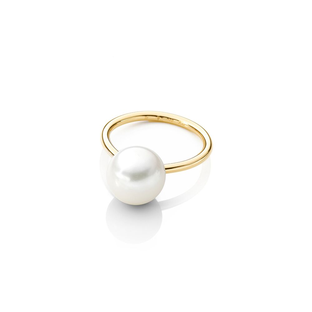 Large pearl ring - gold