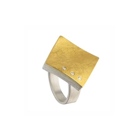 Two-tone square ring