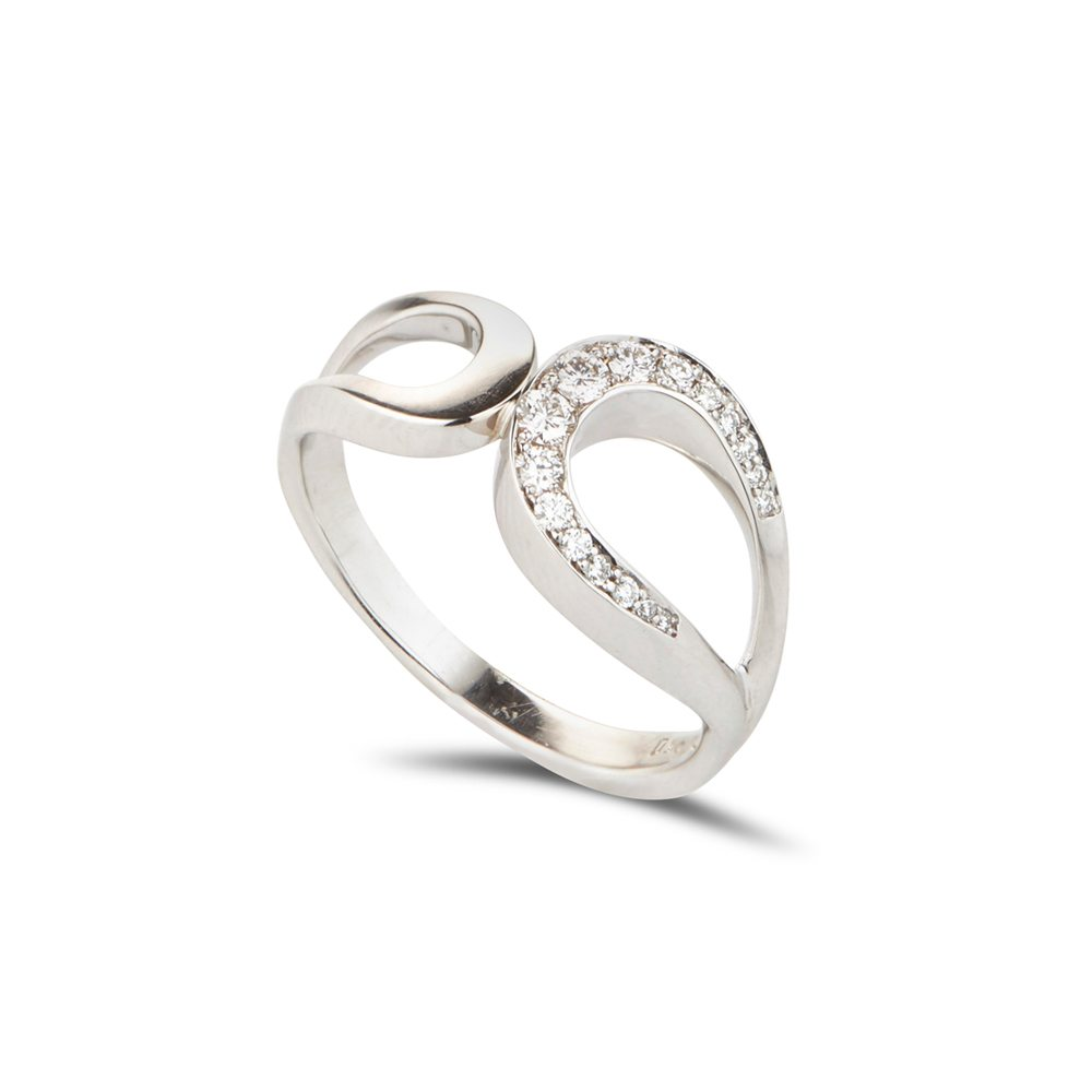 White Gold & Diamond Fine Tuohi Ring
