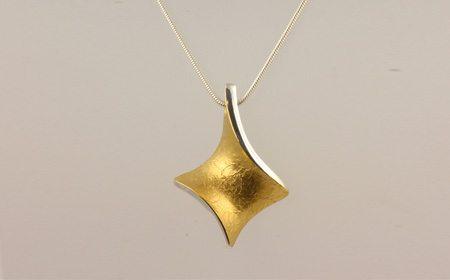 Handmade Irish Jewellery By S 233 Amus Gill Stonechat Jewellers