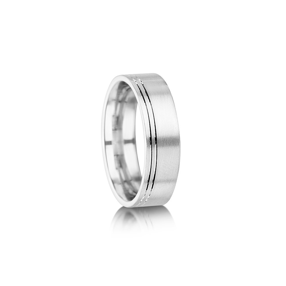 Double offset groove wedding ring