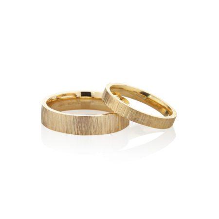 hammered yellow gold men women wedding rings