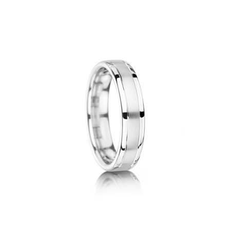 Matte and polished wedding ring