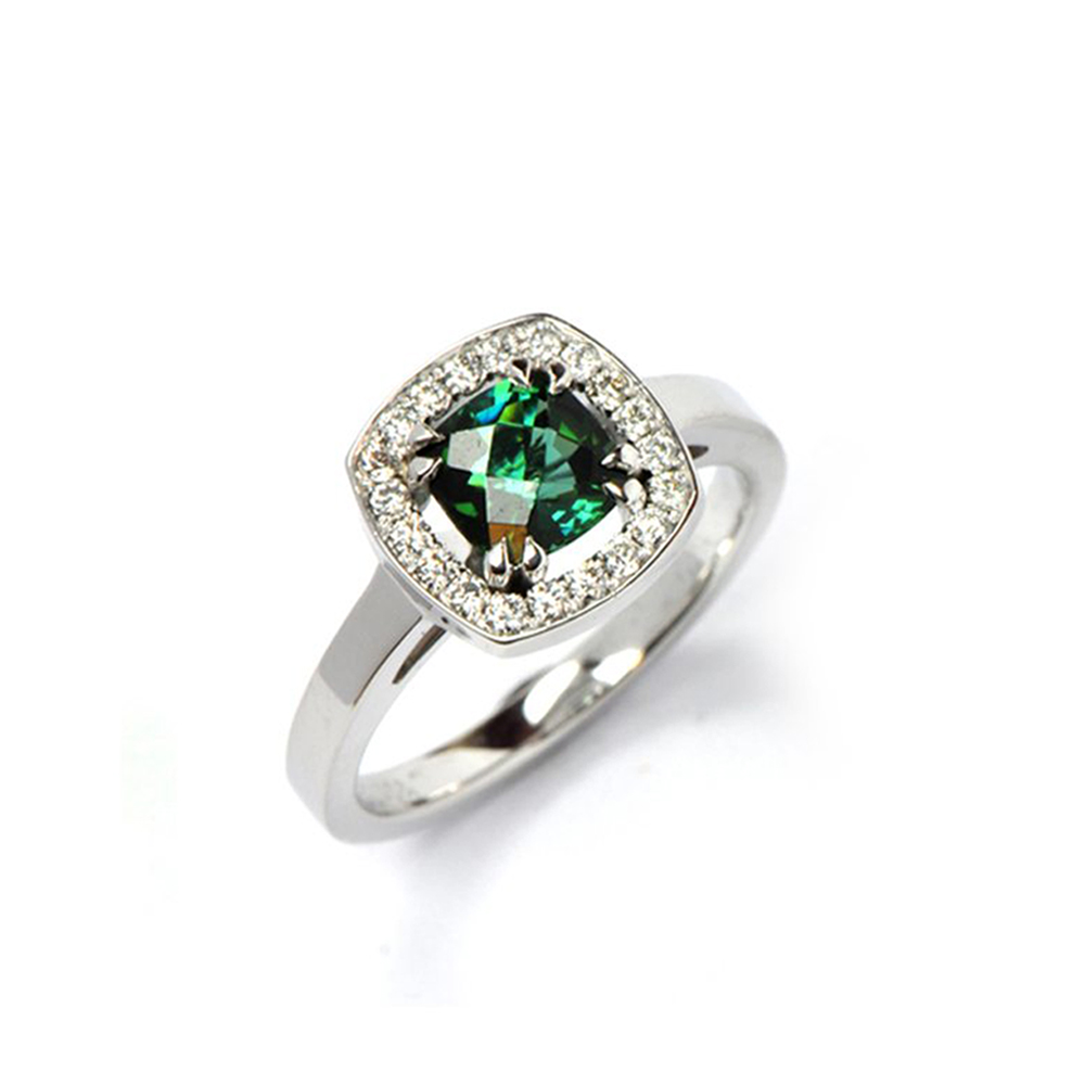White Gold Ring set with Green Tourmaline centre stone