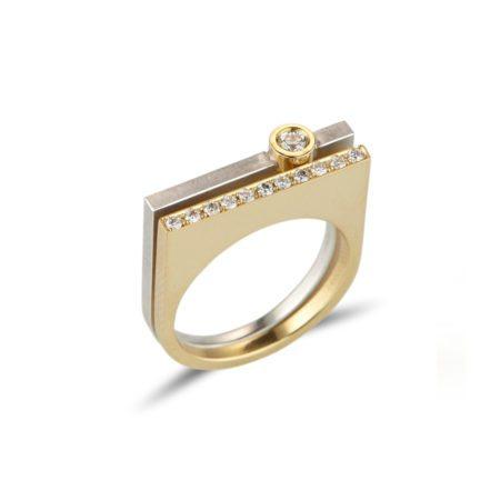 Diamond straight quintet rings