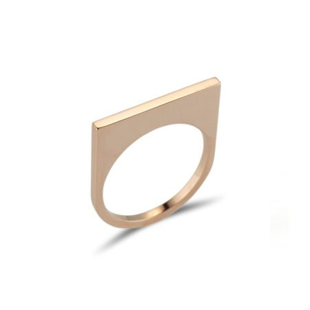 Straight gold quintet ring