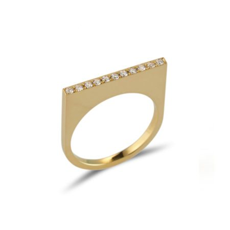 Straight gold quintet ring with diamonds