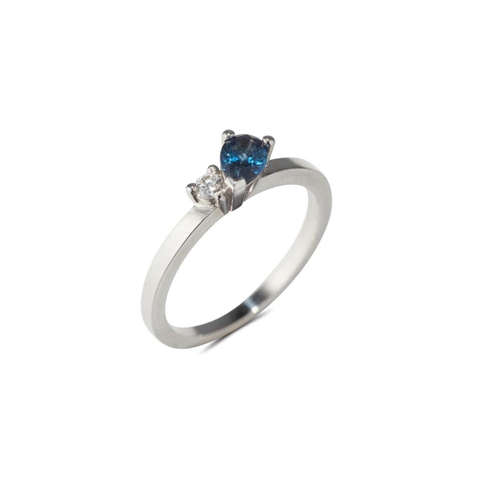 Sapphire Ring with Diamond