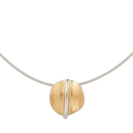 Fine Lines Necklace Detail